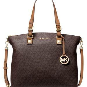 Michael Kors Large Multifuncional Bag